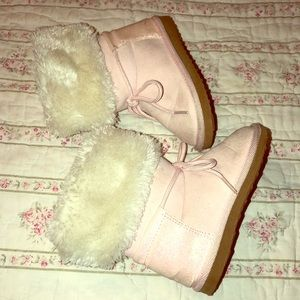 Carters pink booties for your toddler like new 7
